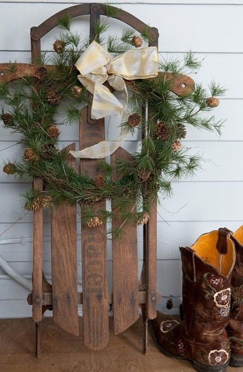 Fun-and-creative-sleigh-decor-ideas-for-christmas-8