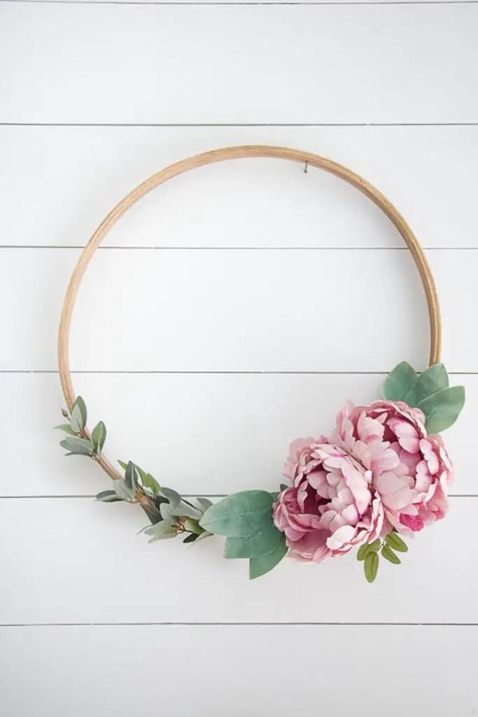 Hoop-wreath