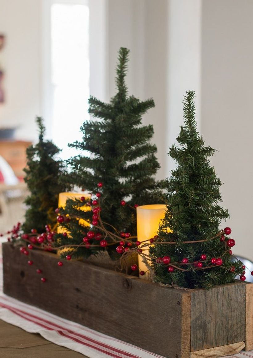 Mini-christmas-trees-table-1541620388