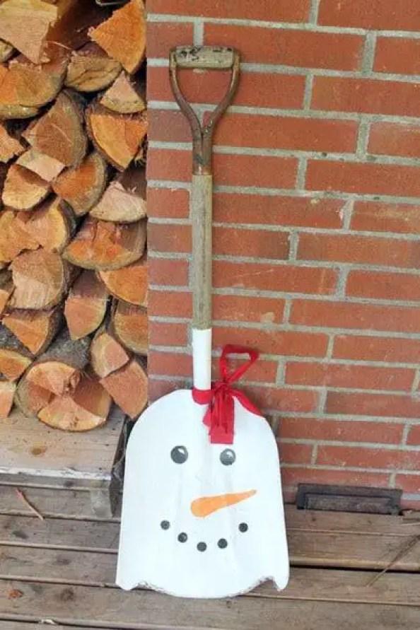 Snowman-shovel