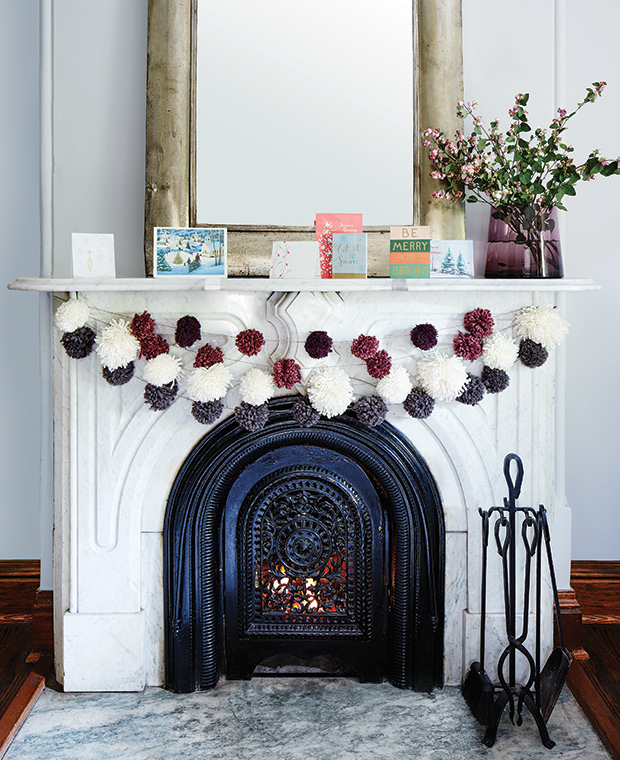 Diy-pompom-garland-final-hh_dc15