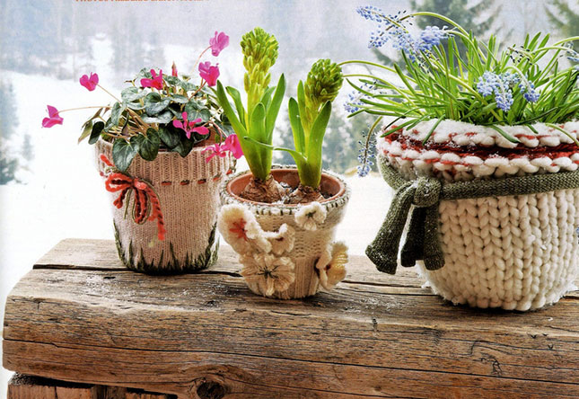 Flower-pots-covered-with-sweaters-diy-ideas