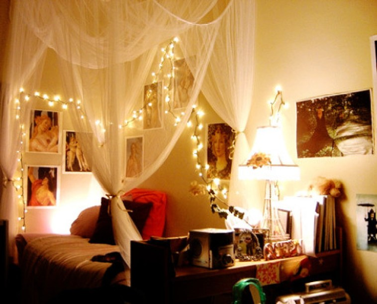 Holiday-lights-in-a-bedroom-1