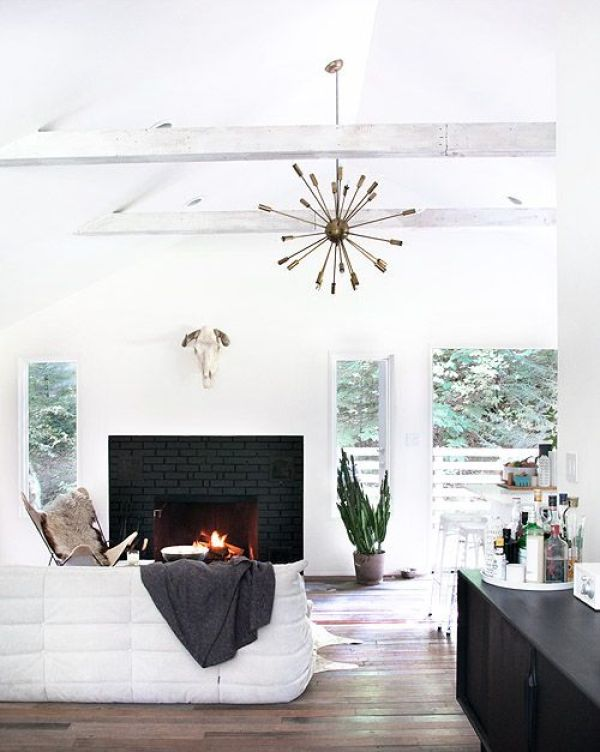 2-black-brick-wall-fireplace-ideas-0