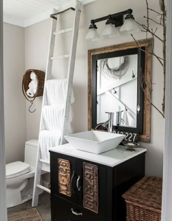 2-wooden-towel-ladder-in-both-rustic-as-well-as-in-modern-bathroom-12-156