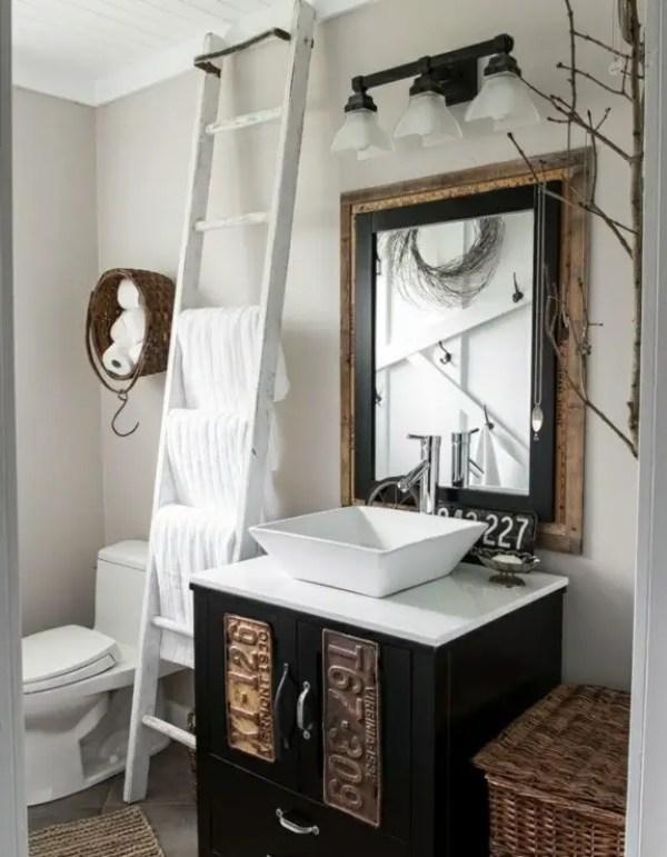 2-wooden-towel-ladder-in-both-rustic-as-well-as-in-modern-bathroom-12-156