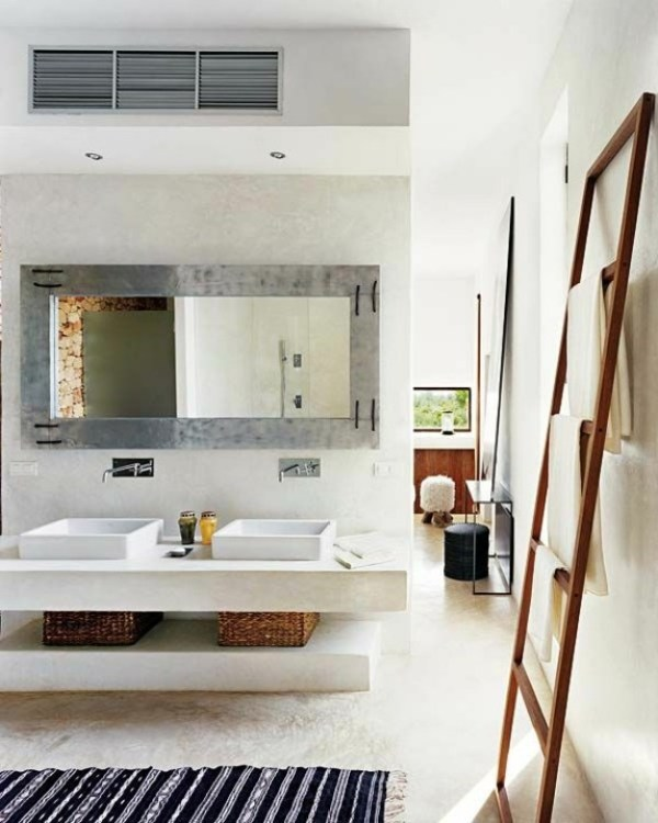 2-wooden-towel-ladder-in-both-rustic-as-well-as-in-modern-bathroom-7-156