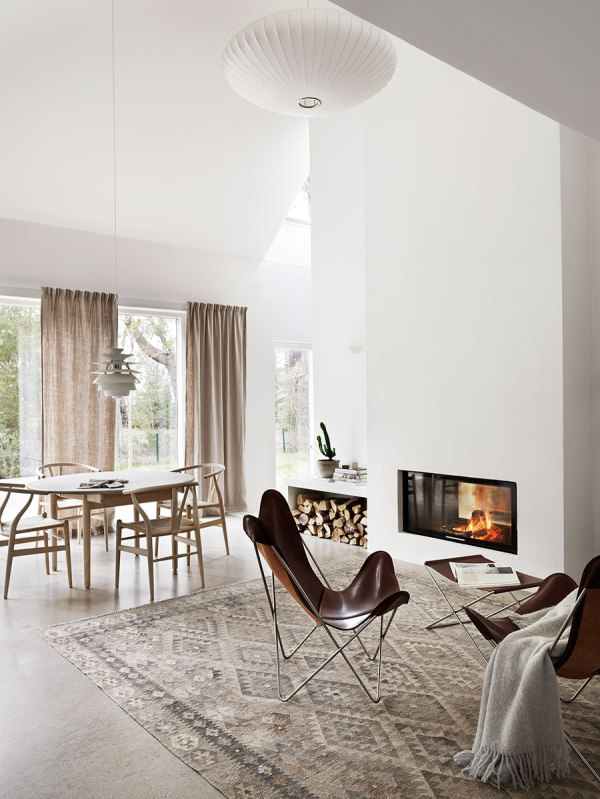 3-scandinavian-style-living-room-in-neutral-and-warm-color-scheme
