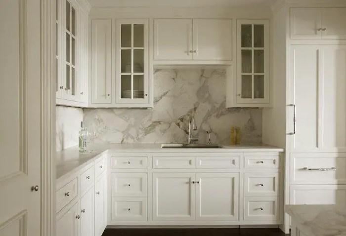4-gray-and-white-marble-slab-kitchen-backsplash-1