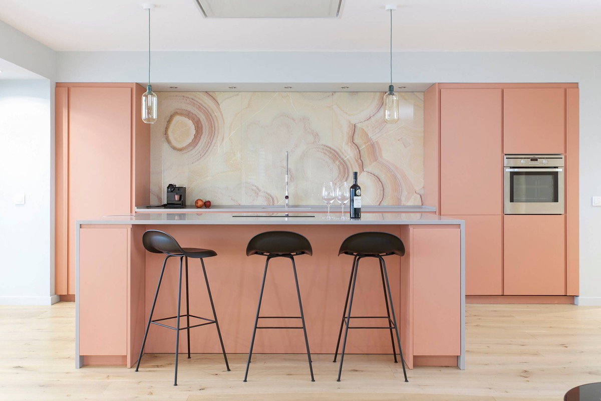 Coral-pink-kitchen-cabinets