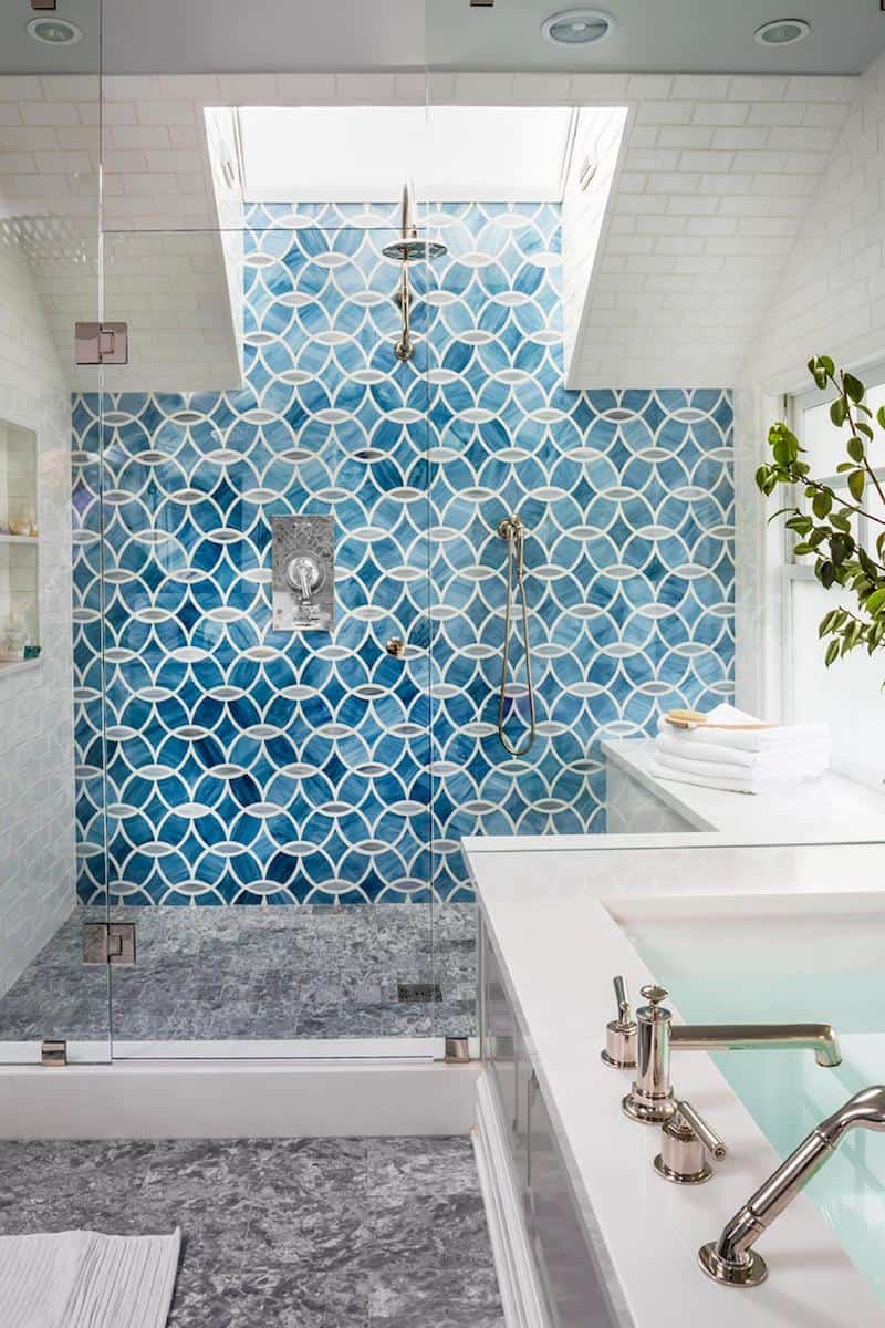 Shades of blue Charismatic Bathroom Design Ideas To Hypnotize Everyone In Your Home