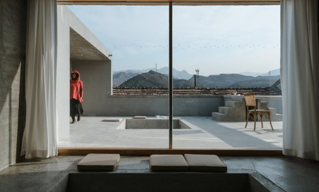 159437557153617_inside_and_outside_of_small_sitting_room_zhuyumeng