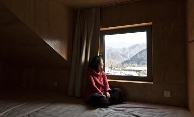 159437559550927_windows_in_the_loft_bedroom_chengzhi