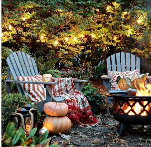 Awesome-fall-fire-pit-decor-ideas-you-have-to-try-11