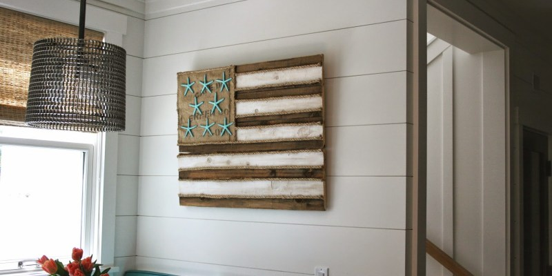 Diy-starfish-flag-pallet-art