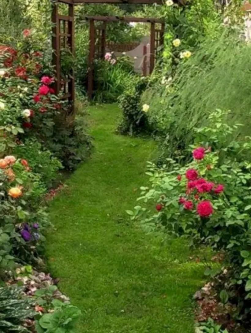 The best small home garden design ideas 13