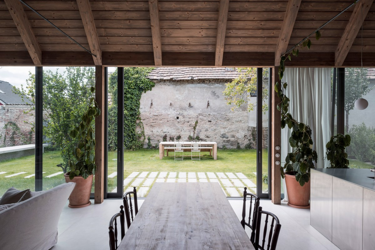 House-v-slovakia-architecture-interiors-martin-skocek_dezeen_2364_col_13