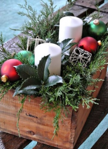 06b-diy-christmas-centerpieces-ideas-homebnc-202x300@2x