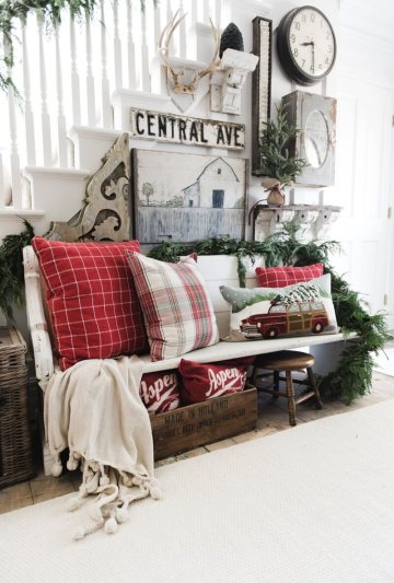 1-35-rustic-farmhouse-christmas-decor-ideas-homebnc-1