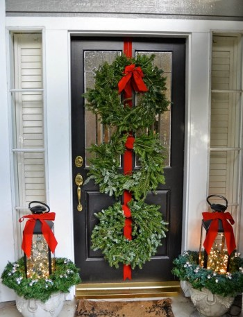 16-outdoor-holiday-planter-ideas-homebnc