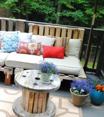 Outdoor-pallet-sofa