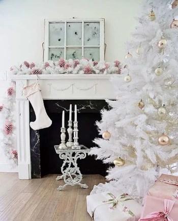White-christmas-tree-decorating-ideas-12-1-kindesign