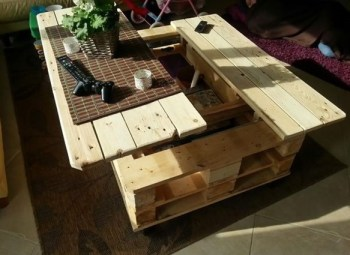 Pallet-coffee-table-with-storage-wonderfuldiy