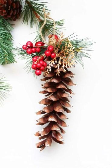 08d-diy-pine-cone-crafts-ideas-homebnc-v3