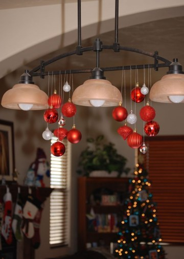1 22.-quick-and-easy-christmas-chandelier