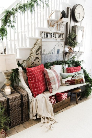 1 christmas-entryway-by-liz-marrie_0022-683x1024