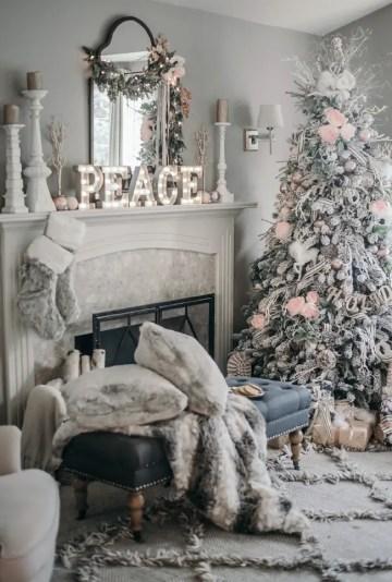 1-christmas-fireplace-decor-idea