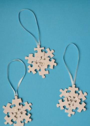 1 puzzle-pieces-christmas-craft