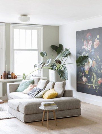 10-happy-living-room-ideas-with-plants3