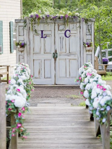 14-line-the-walkway-with-fresh-flowers-and-decorate-the-gate