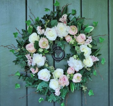 17-refreshing-handmade-spring-wreath-ideas-you-could-easily-diy-2-630x590