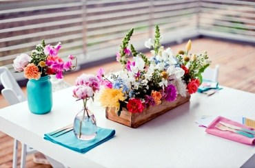 20-ideas-for-table-decoration-easter-mood-with-spring-flowers-14-193