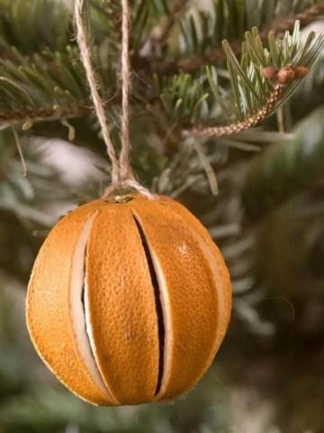 43-creative-diy-christmas-ornaments-homebnc-768x1024
