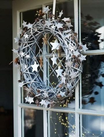 Attractive-stars-wreath-decoration