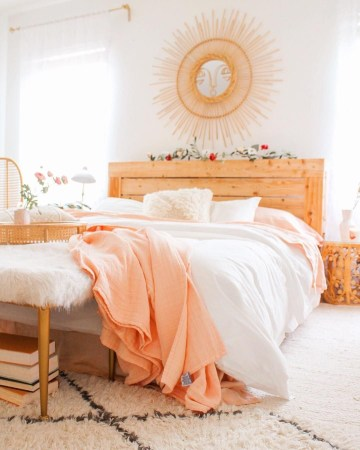 Coziest-winter-bedroom-decor-idea-1668925350892085416
