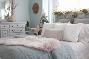 Cozy-romantic-winter-bedroom