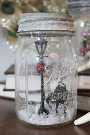 Creative-diy-snow-globe-mason-jars-ideas-17