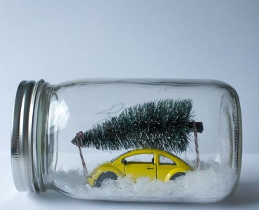 Creative-diy-snow-globe-mason-jars-ideas-83