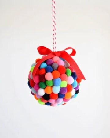 Diy-pom-pom-ornament