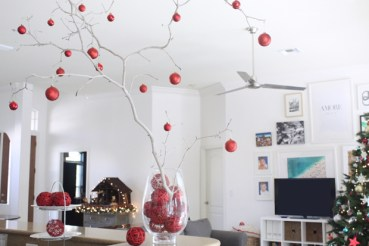 Easy-christmas-branch-centerpiece
