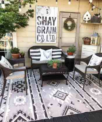 Farmhouse-style-porch-decorating-ideas-07-1-kindesign