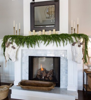 Fireplece-mantel-decoration-ideas-for-christmas-34