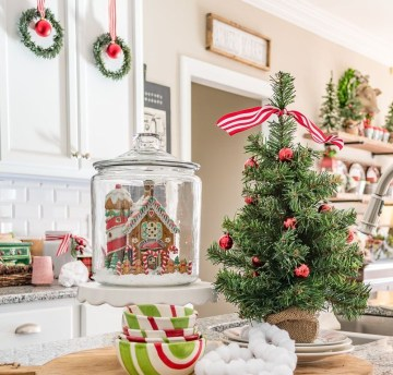 Kitchen-island-decorating-with-a-small-tree