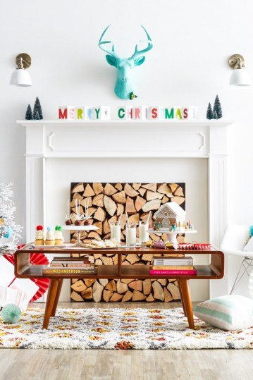 Merry-bright-mantel-683x1024