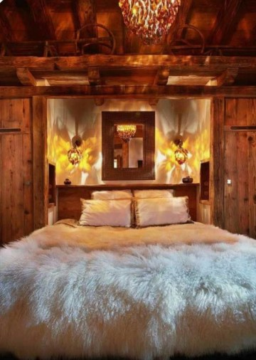 A-faux-fur-blanket-will-make-your-bedroom-super-cozy-and-super-welcoming-at-once