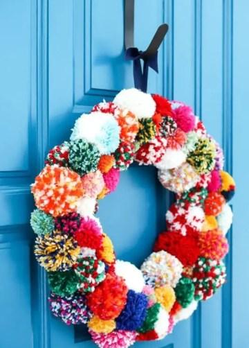 Diy-pom-pom-wreath-tutorial-7